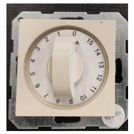 5TT1011 SIEMENS UP-ZEITSCHALTUHR 15 MIN. 2POLIG,1 6A TITANWEISS,DELTAI-SYSTEM Produktbild