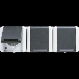 8230W JUNG SCHUKO-STECKDOSE 3-FACH FR AP IP44 BRUCHSICHER Produktbild