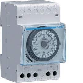 EH111 HAGER Schaltuhr analog 24H 1W 16A m. Gangreserve 15min Produktbild