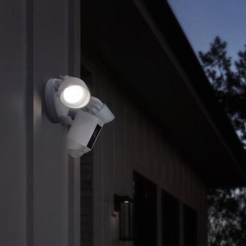 4462225 Ring 8SF1P7-WEU0 Überwachungs- kamera WLAN weiß Flutlicht Produktbild Additional View 9 L